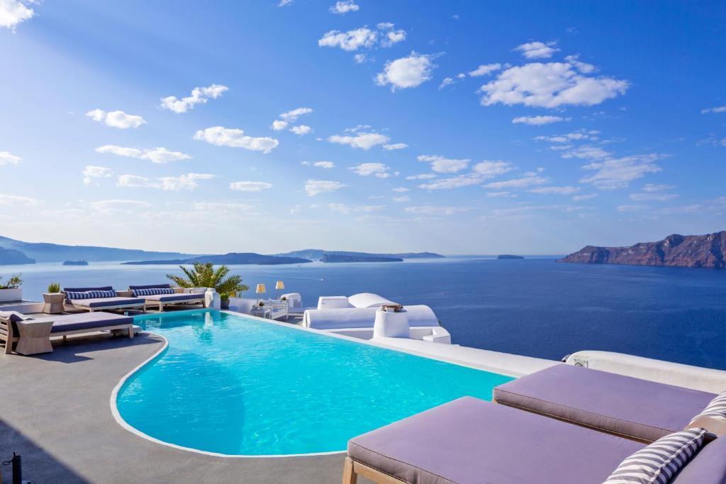 Katikies Hotel – Santorini, Greece