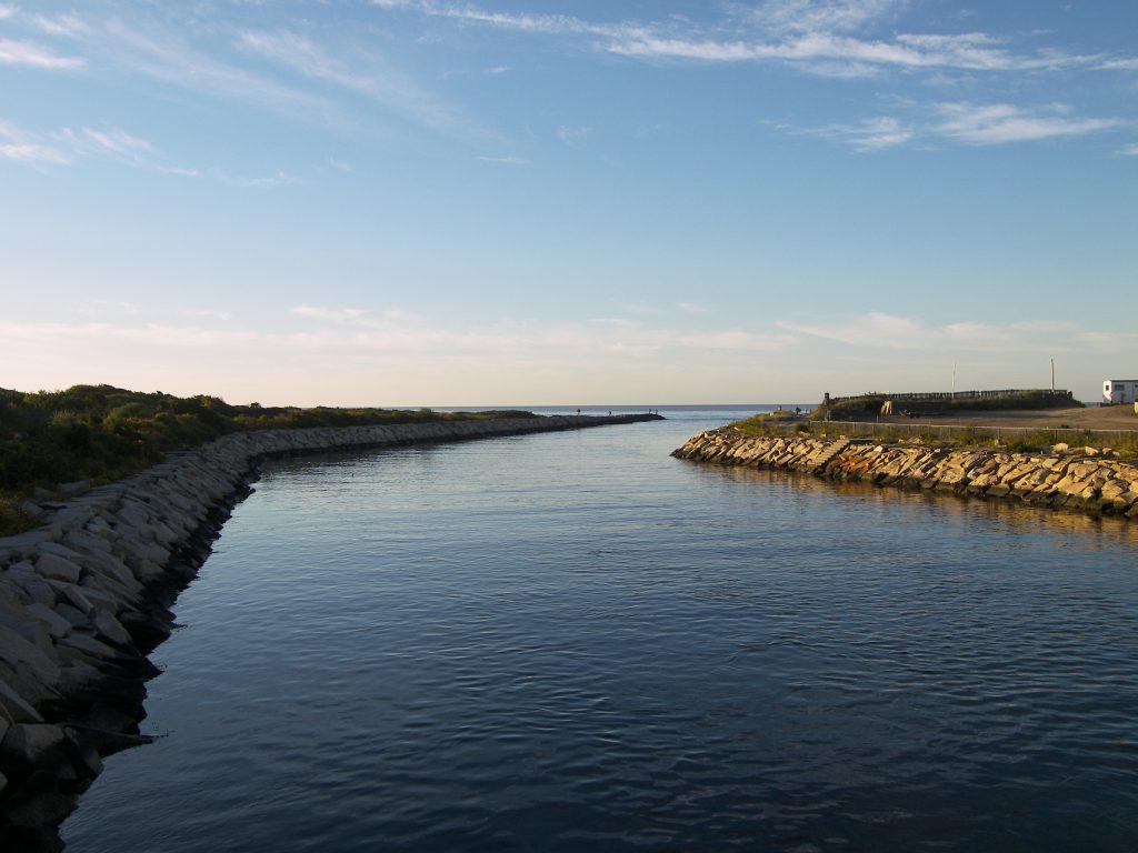 Winnapaug Pond
